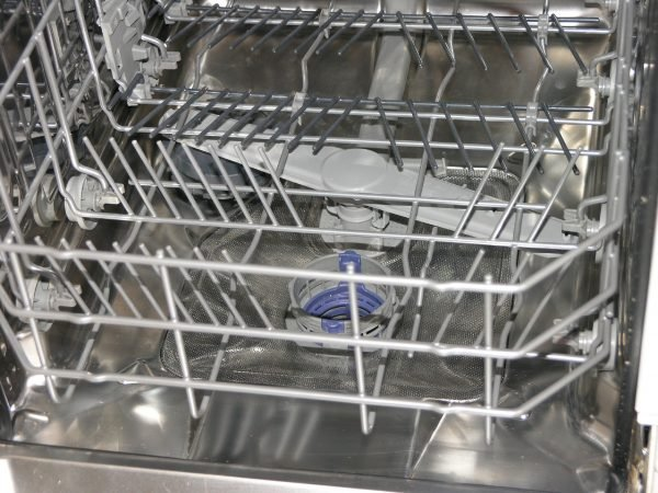 clean the filter in a dishwasher